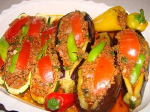 Patlican Karniyarik (aubergines stuffed with meat)