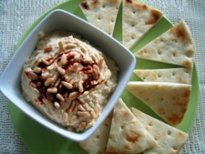 Hummus with Roasted Garlic